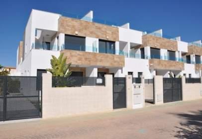 Casa aparellada a calle del Azafrán, nº 4