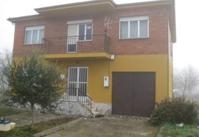 Alquiler De Casas Y Chalets En Bierzo León