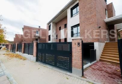 Casa adosada en calle Lugar Plan Parc Villa del Prado, nº 33