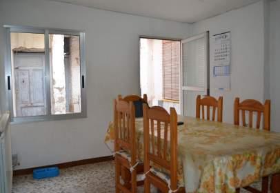 Casa adossada a calle Pedro Bernuz, Zaragoza