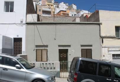 Casa pareada en calle Tajinaste, El Peru, nº 8