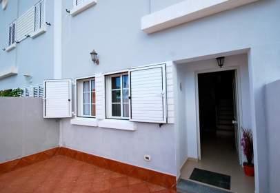 Casa pareada en Los Quintana-Piso Firme