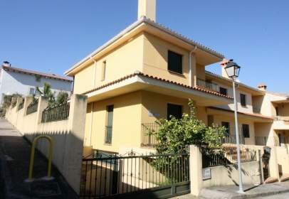 Casa adosada en calle Beltraneja, nº 5
