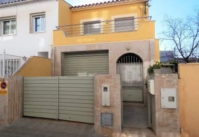 Casa pareada en calle Josep Fàbrega I Pou
