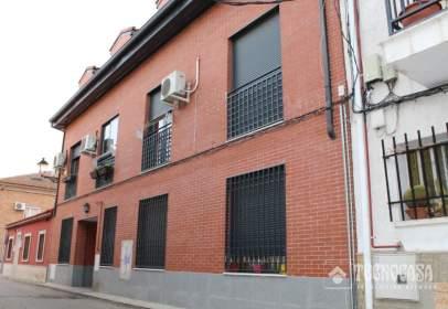Duplex in Camarma de Esteruelas