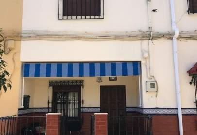 Casa adosada en calle Mantecon