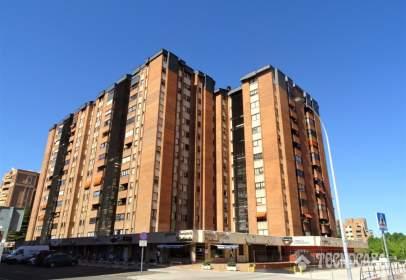 Flat in calle de Mateo Seoane Sobral