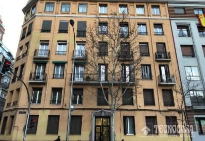 Flat in calle Doctor Esquerdo, near Calle de Fundadores