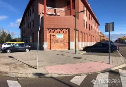 Commercial space in calle Carpinteros, near Calle del Val