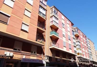 Pis a calle de Linares