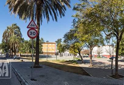 Piso en calle Lora del Río