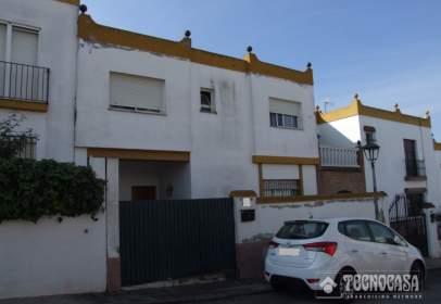 Casa adosada en calle Fray Junípero Serra