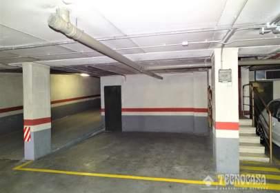 Garatge a calle de Hernando de Acuña, prop de Calle de Juan García Hortelano