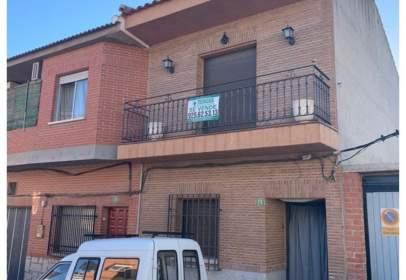 Casa unifamiliar a La Puebla de Montalbán