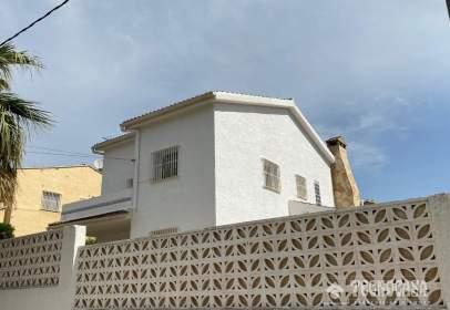 Casa unifamiliar en Riba-roja de Túria