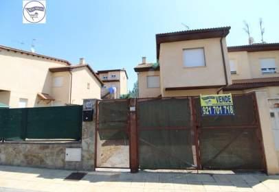 Casa adossada a calle Margarita