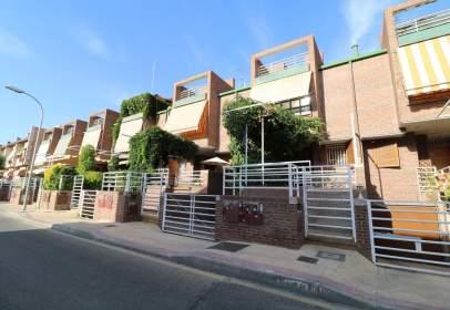 Casa adossada a calle Alhambra, nº 12