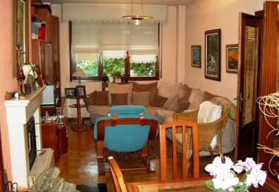 Casa adossada a calle Urbanización Aralar