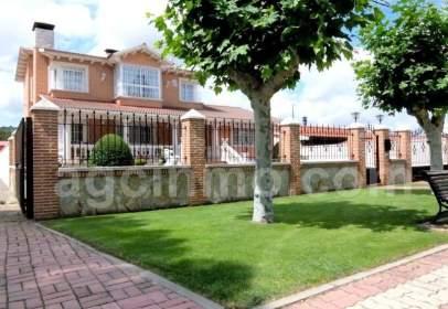 Chalet en Carretera de Valladolid, 73
