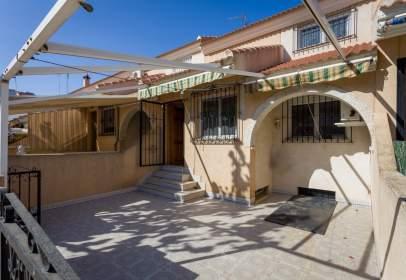 Casa adosada en calle del Timón, 29
