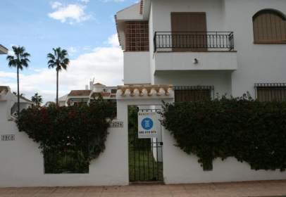 Casa en Pueblo Latino