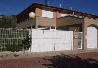 Paired house in calle Kanpondoa 74