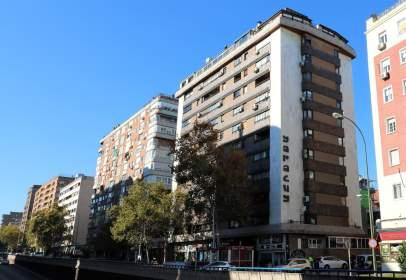 Apartamento en Avenida de Alberto Alcocer, nº 49
