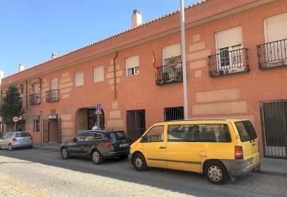 Local comercial a calle Félix Serrano del Real