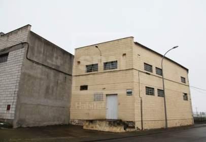 Nau industrial a calle Pedroforca - Paraje La Creu
