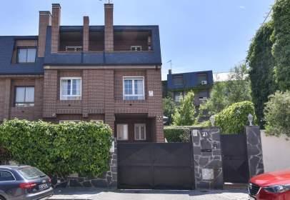 Casa pareada en calle del Mecánico Rada