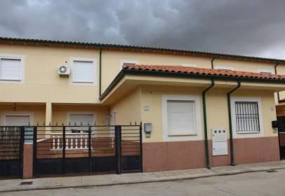 Casa adossada a calle Illán