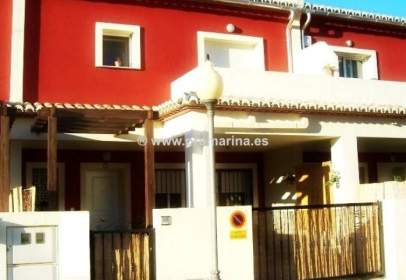 Casa adosada en Benimeli