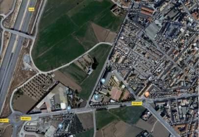 Land in calle de Atarfe