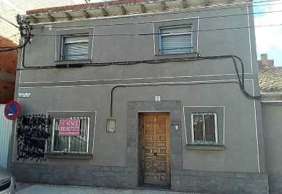 Chalet en calle de Ramón y Cajal, 1