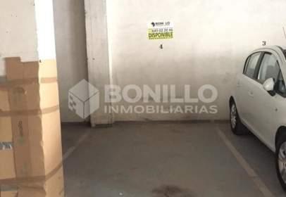 Garatge a calle Poeta Mosén Luis Arcusa