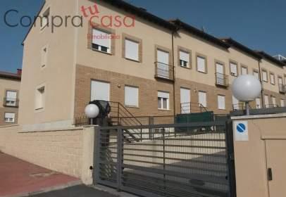 Casa adosada en calle Valladolid