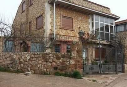Xalet a calle calle San Adrián del Besos, nº 5