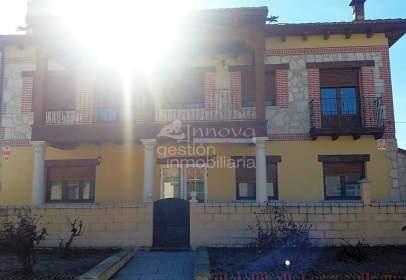 Chalet in Navalmanzano