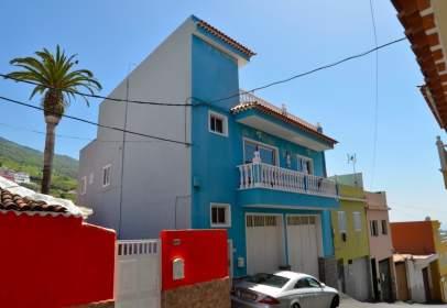 Casa en calle Tosca Ana María, cerca de Calle de la Rana