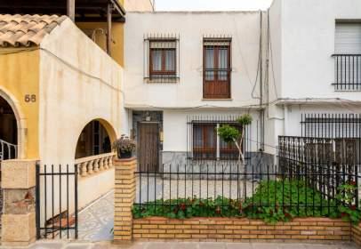 Casa en calle Reyes Católicos, 54