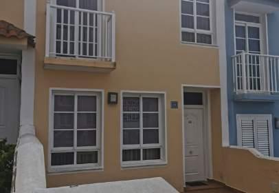 Casa adosada en calle de Lorenzo Olarte Cullén, 18, cerca de Calle Manuel Hermoso Rojas