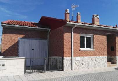 Paired house in calle Lavadero