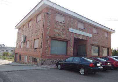 Local comercial en Cobisa