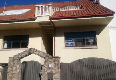 Casa adosada en Berrocal