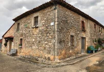 House in Madrigal del Monte