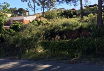 Terreny a Urbanización Can Guell