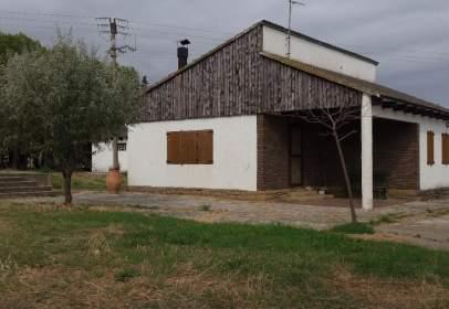 Chalet in Almudévar, Zona de - Alcalá de Gurrea
