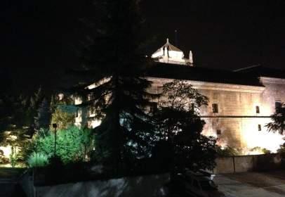 Piso en Granada Capital - Centro- Junto A Hospital Real y Jardines Triunfo