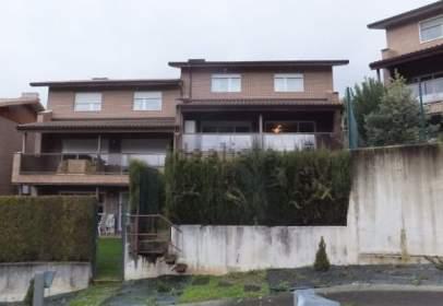 Casa adosada en calle Berroeta