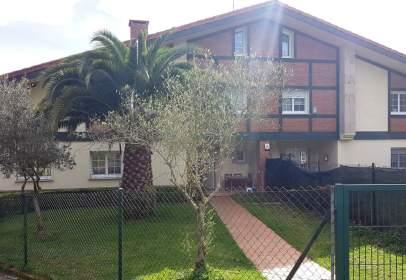 Casa adossada a calle Aretxalde